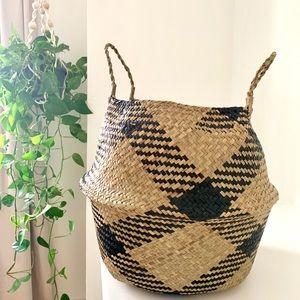 Large Black & Natural Belly Basket